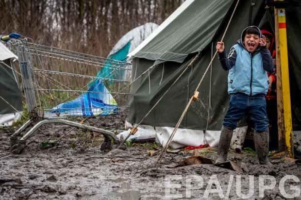 Из Джунглей в Кале выселяют 1,5 тысячи беспризорных детей