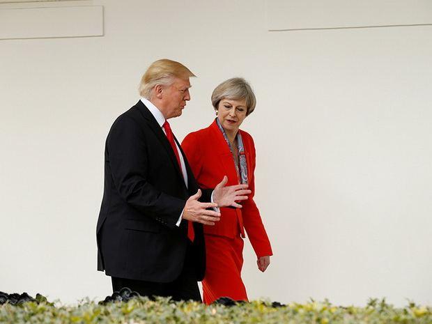 Трамп: говорить об отмене санкций против России пока рано