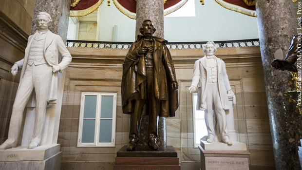 Статуи конфедератов в Капитолии