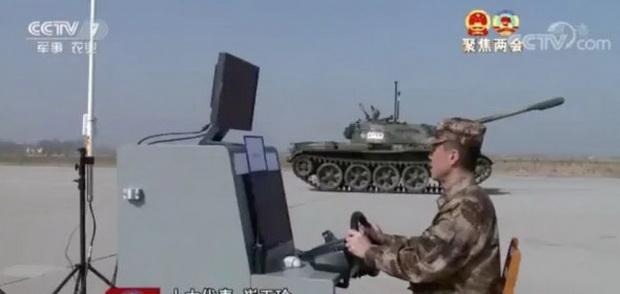 В докладе аналитического центра уточняется, что многие китайские руководители обеспокоены возможным началом гонки вооружений между Китаем и Западом, спровоцированной стремлением обеих сторон к разработке и постановке на вооружение автономных технологий и систем ИИ.