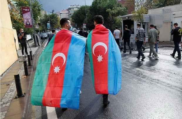 Турция обещала военную помощь Азербайджану в войне за Карабах