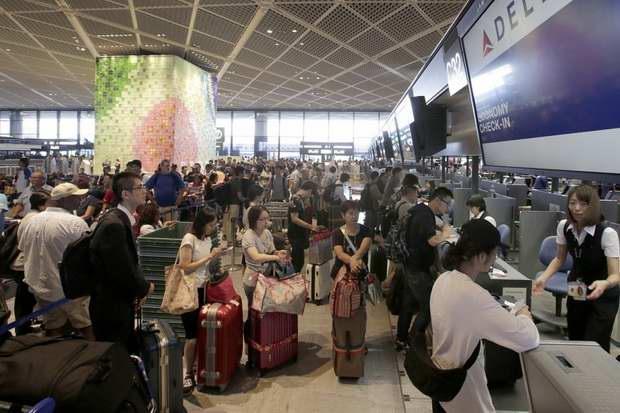 От уплаты налога освобождены транзитные пассажиры, если покинут пределы Японии в течение 24 часов после прибытия, и дети до двух лет.