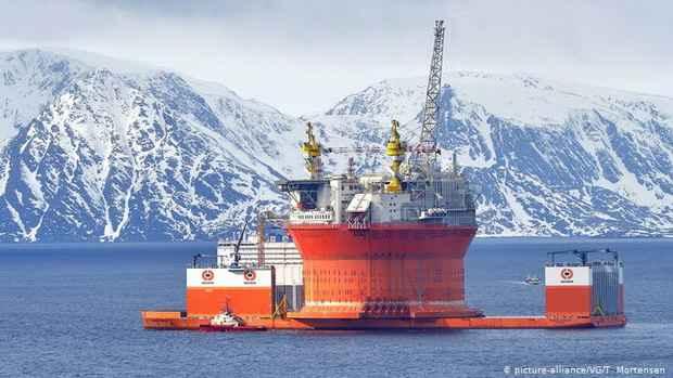 Норвегия намеревается значительно сократить нефтедобычу