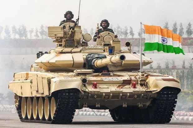 Индийское Минобороны выдало контракт на сборку российских танков Т-90МС