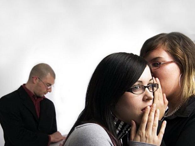 Тайна межличностных отношений кроется в тех оценках, которые мы даем другим людям и самим себе при общении с ближними.