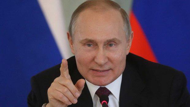 Путин поручил кабмину и властям регионов изучить ситуацию с зарплатами бюджетников
