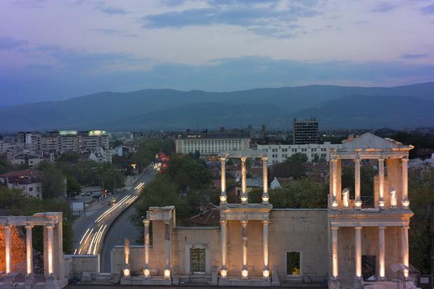 Развалины древнеримского театра в Пловдиве