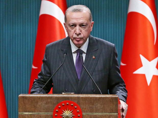 Желание создать новое большое государство или союз заставляет искать точки влияние на соседние страны. В первую очередь — близкие по культуре тюркоязычные народы.
