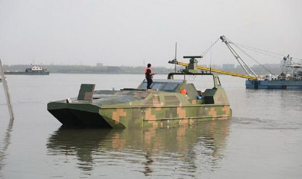 Использование десантной амфибии-беспилотника избавит морских пехотинцев от лишнего риска, связанного с начальной фазой высадки на берег, занятый противником.