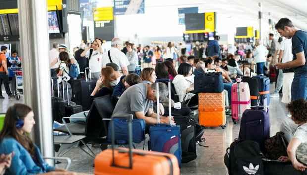 Компьютерный сбой в British Airways, десятки рейсов отменены