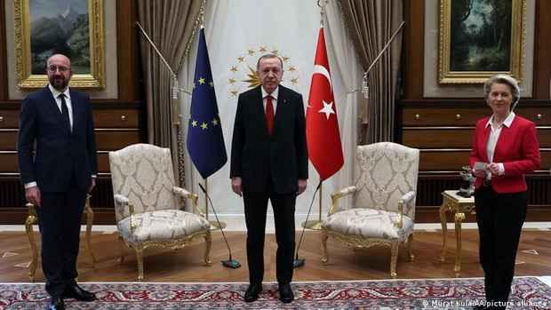 ЕС критикует Турцию и предлагает перезагрузку отношений