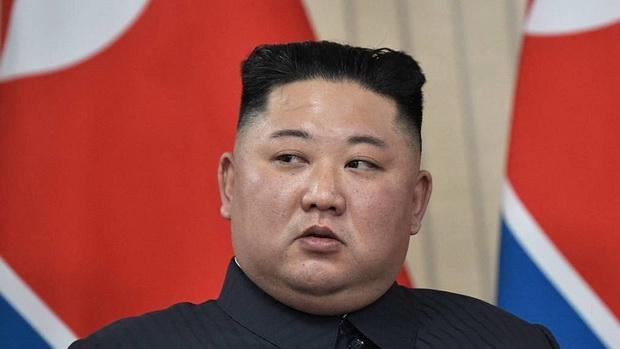 """По данным сайта, сейчас лидер КНДР восстанавливается на вилле в курортном уезде Хянсан""""."""