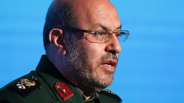 В воскресенье военный советник верховного лидера Ирана аятоллы Али Хаменеи и бывший министр обороны страны Хосейн Деган заявил в интервью телекомпании Си-эн-эн, что Иран готовится нанести удар по американским военным объектам.