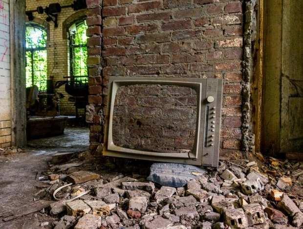 О том, как ТВ-шоу ежедневно разрушают российские семьи, культуру и здоровье людей - в обзоре проектов одного из федеральных каналов.