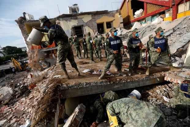 Погибли более 110 человек - как в Мехико-сити, так и в штатах Мехико, Пуэбла и Морелос.