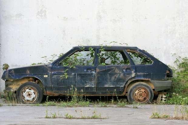 В Госдуме хотят запретить эксплуатацию старых автомобилей, чтобы выдавать кредиты на новые