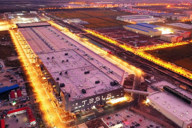 Tesla в Китае3