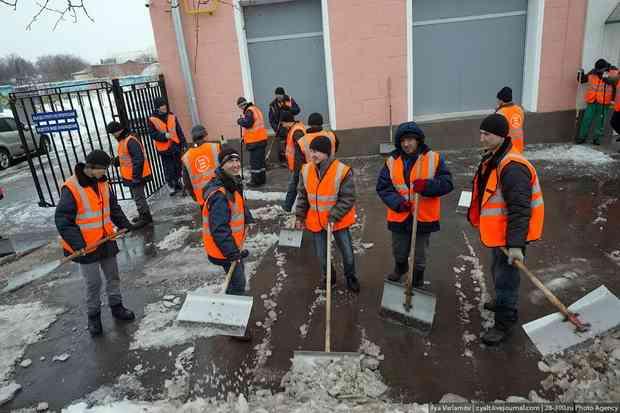 Власти отказались строить Москву без мигрантов