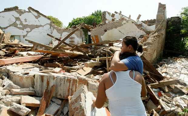 В результате землетрясения, которое произошло в пятницу, 8 сентября, в Мексике погибли 90 человек.