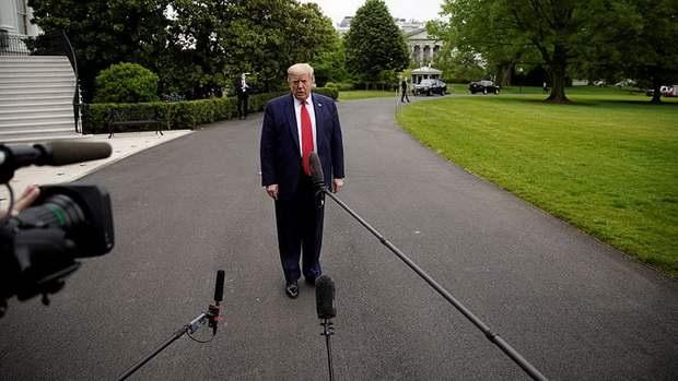 Трамп заявил о сильном сокращении случаев COVID-19 в США