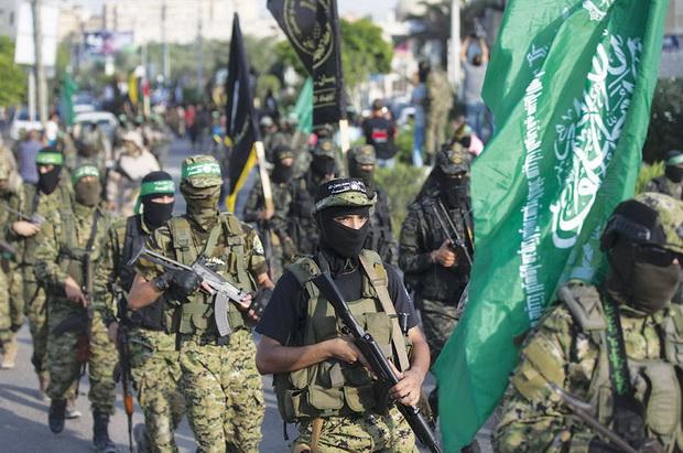 Когда-то главным среди них был Иран, который финансировал ХАМАС, однако после того, как движение поддержало суннитские группировки, воюющие против Башара Асада в Сирии, помощь была урезана.