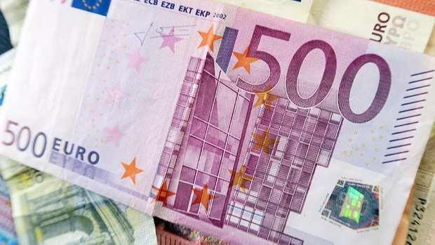 Европа с конца января начнет отказываться от выпуска купюр в €500