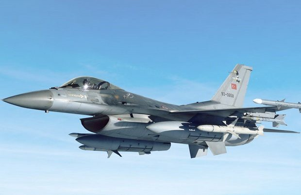 СМИ сообщили о попытке Сирии сбить ракетой турецкий F-16