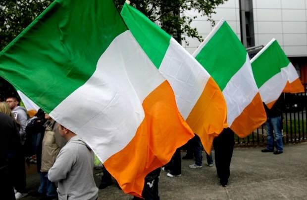 Жители Великобритании выстроились за паспортами Ирландии