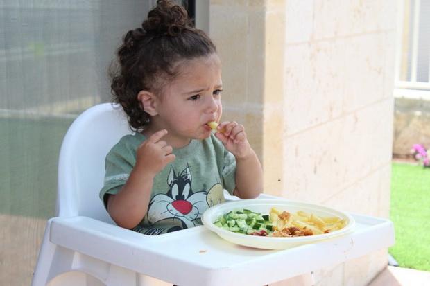 Для малышей допустимы молочные блюда, а для тех, кто постарше, в постоянном меню остается рыба.