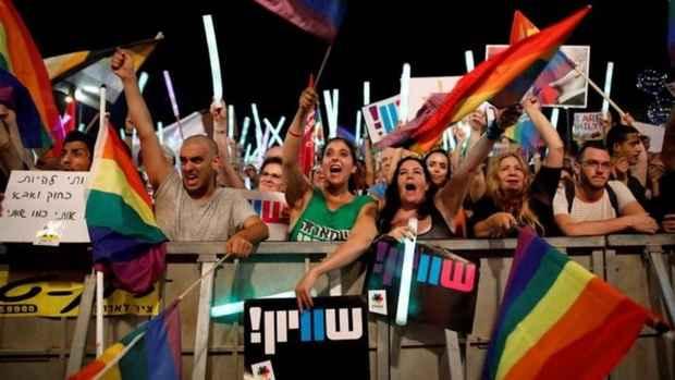 Израильтяне требуют прав на суррогатное материнство для геев