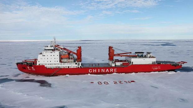Первый же крупный неатомный ледокол собственного производства «Снежный дракон — 2» водоизмещением в 14 тысяч тонн китайцы начали строить совместно с Финляндией