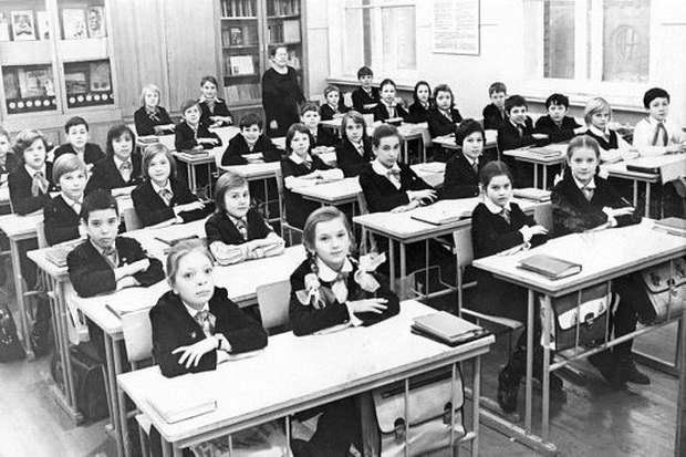 Наша школа с начала ХХ века была уникальной: она пыталась научить мыслить всех, а не только детей элиты.