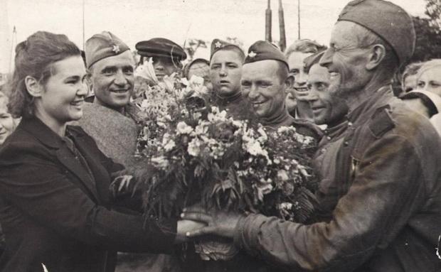 Для большинства советских граждан было понятно, что поражение в войне означает смерть