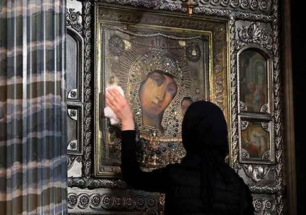 В РПЦ не исключают возможности ограничения числа молящихся в храмах