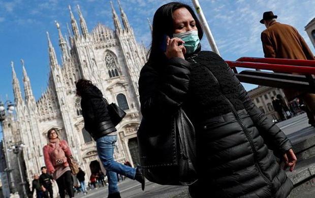 В Италии только за прошедшие сутки число жертв коронавируса увеличилось с 631 до 829 человек, то есть на 31 процент.