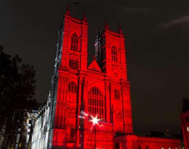 Более тридцати соборов, церквей и школ по всей Великобритании примут участие в акции «Красная среда» 22 ноября.