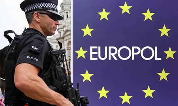 Европол за неделю арестовал 33 торговца детьми