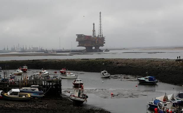 Цена барреля нефти Brent впервые с 2003 года упала ниже $26