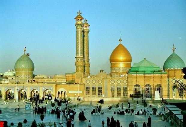 мечеть Шаха Абдул Азима