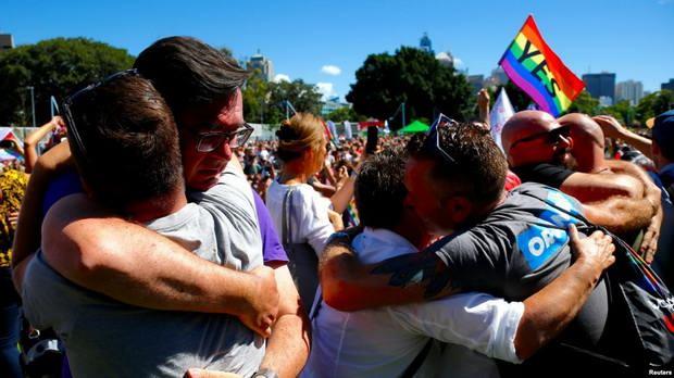Комментируя итоги опроса, англиканский архиепископ Сиднейский Гленн Дэвис заявил о необходимости «свободы слова, совести и веры для христиан и других людей, которые не принимают однополые браки».