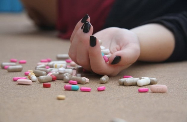 Каждый год в США от таблеток погибают от 100 до 200 тысяч человек.