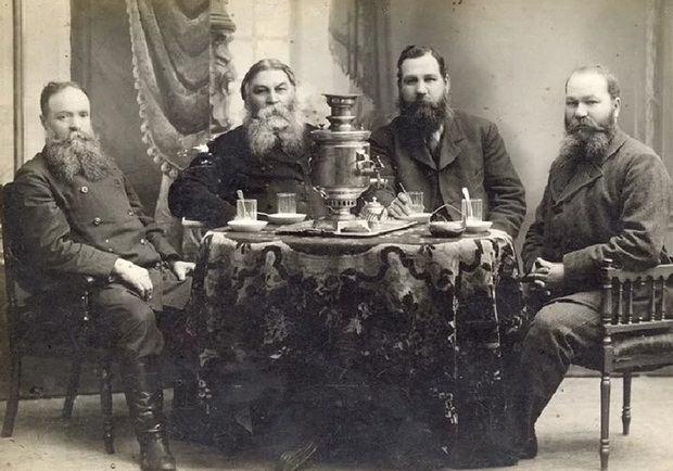 Долгое время финансовые отношения в Российской империи строились исключительно на доверии, подкреплялись честным словом и личными гарантиями.