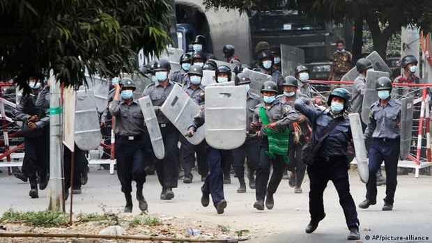 Генсек ООН осудил репрессии против протестующих в Мьянме