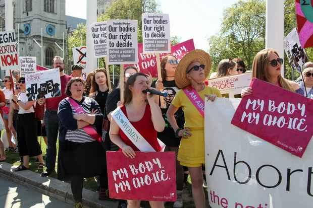 На референдуме жители Ирландии проголосовали за легализацию абортов в стране