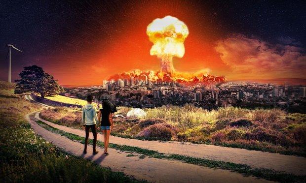 Ядерные державы задаются вопросом, насколько большим должен быть ядерный потенциал чтобы существовало ядерное сдерживание.