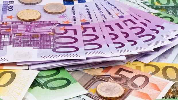 Власти Германии намерены поддержать экономику сотнями миллиардов евро