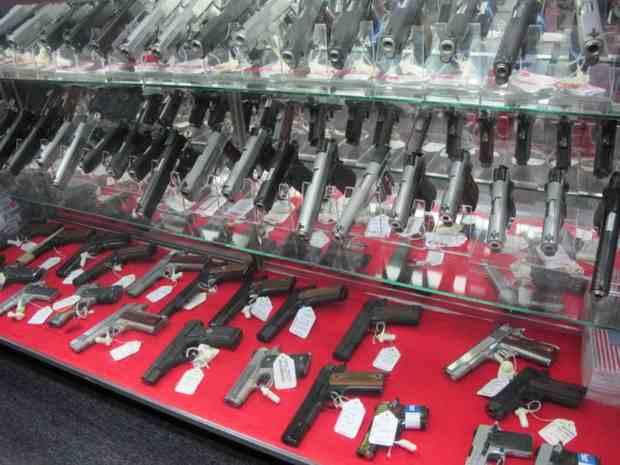 В Украине осенью хотят разрешить огнестрельное оружие