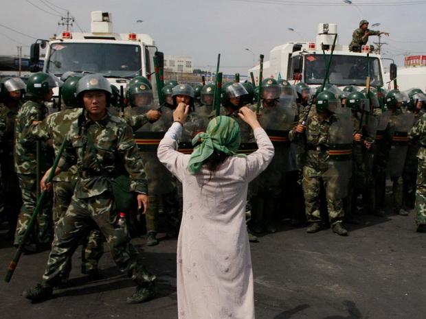 Власти КНР ранее неоднократно отвергали утверждения Вашингтона о том, что в этом автономном регионе ущемляются права и свободы местных жителей.