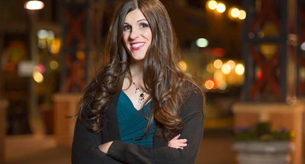 Бывшая журналистка Даника Роем победила на выборах в палату делегатов штата Вирджиния (США) и стала первым трансгендером, занявшим государственную должность в этой стране.