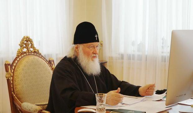 Патриарх Кирилл призвал священников-блогеров не становиться политкомментаторами